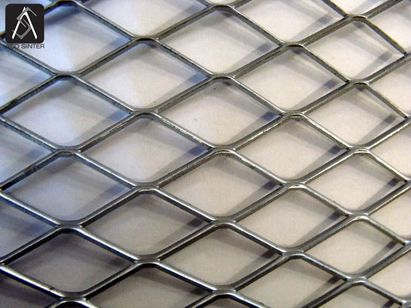 Chapa expandida de aço carbono